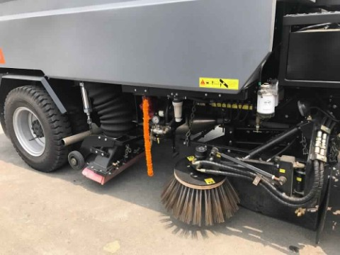 Mechanical Street cleaning machine