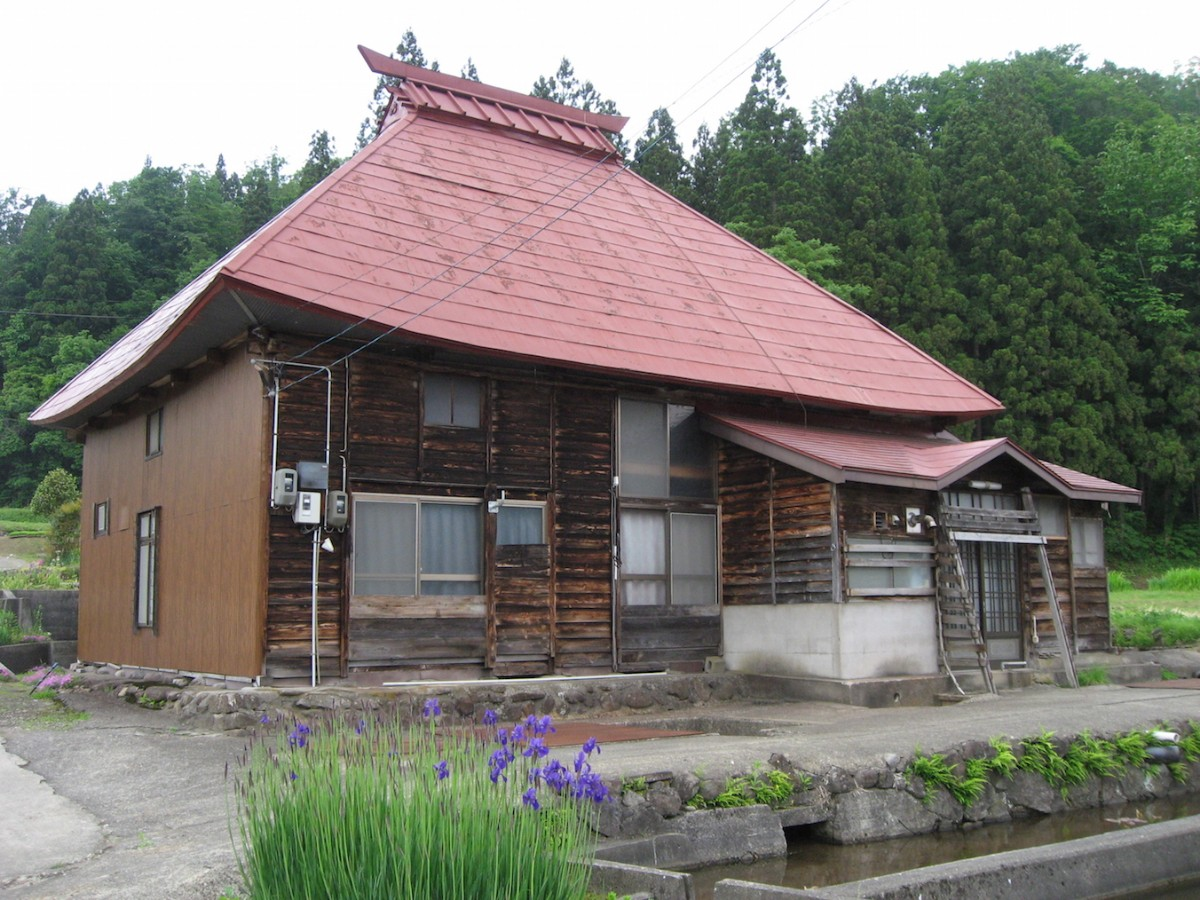 Abandoned-House-in-Japan