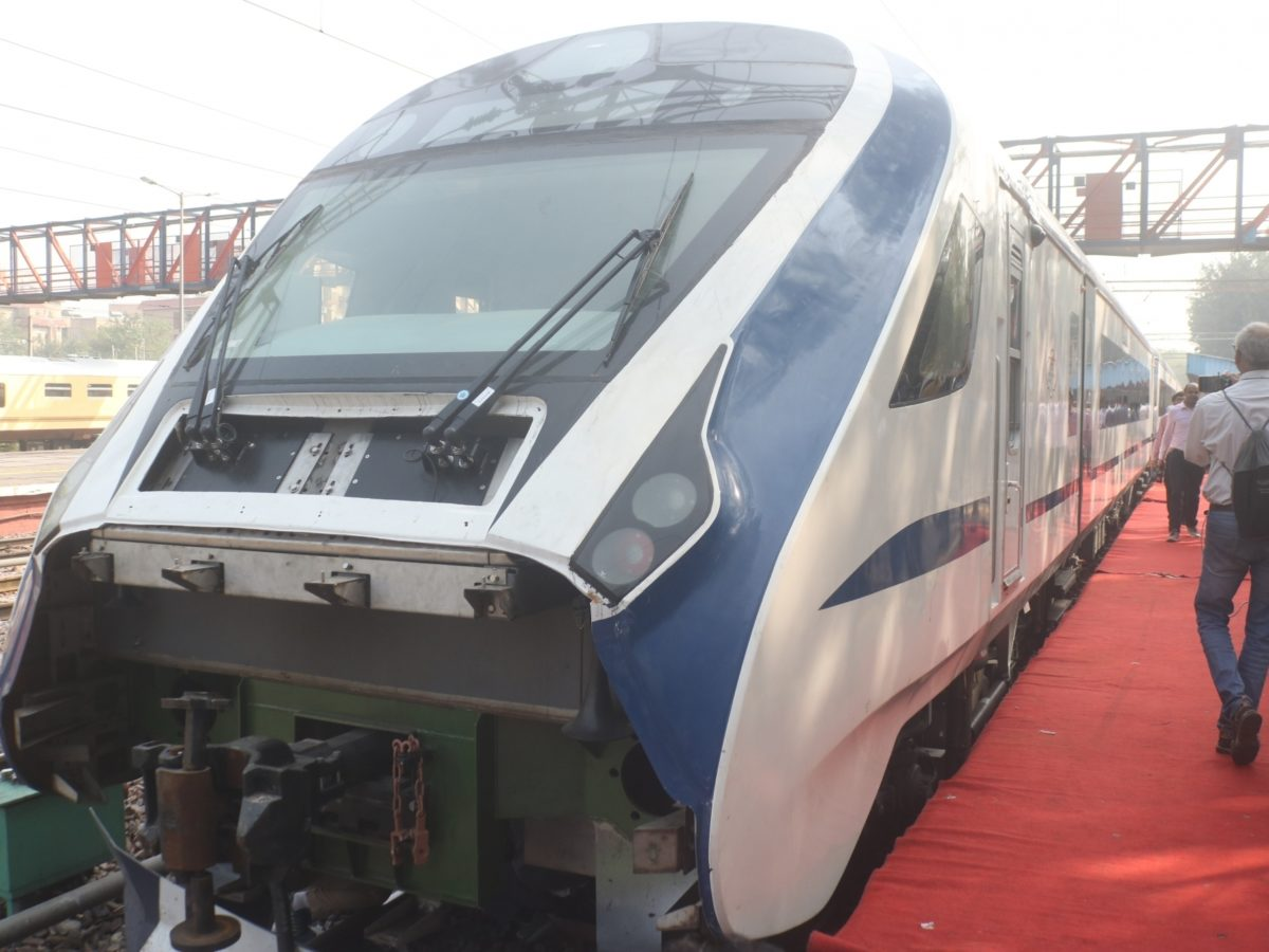 PM-Make_in_India-Vande-Bharat-Express