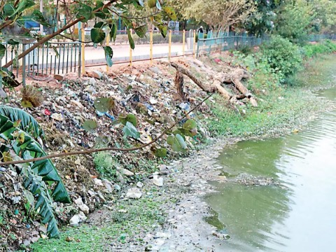 Ulsoor lake in Bengaluru turns into garbage bin