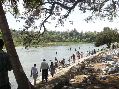 Works on to revamp banks of River Thirumanimutharu