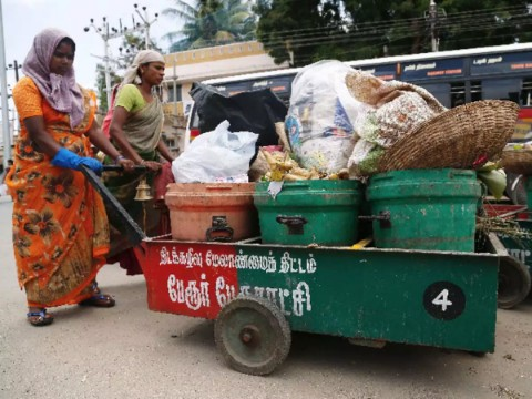citizens support waste segregation