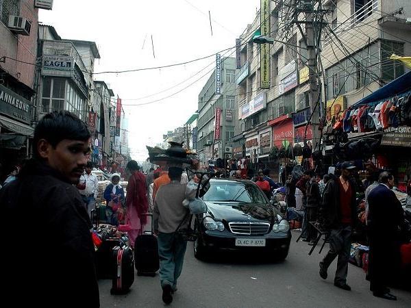 Pedestrianised -Karol-Bagh-road h-as-much-cleaner-air-CSE