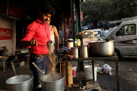 street vendors to Segregate waste properly