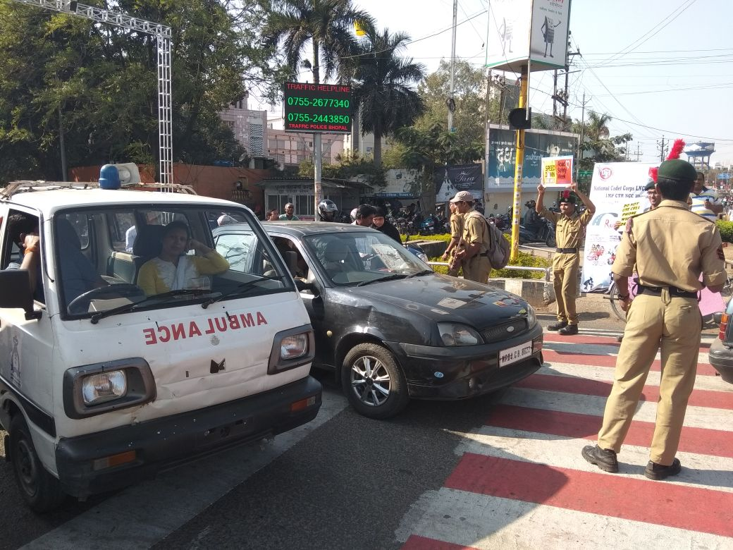 NCC cadets in Amritsar help in decongestion of traffic