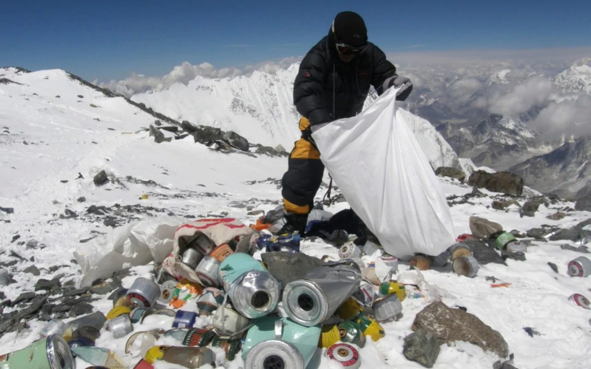 Everest cleanup drive