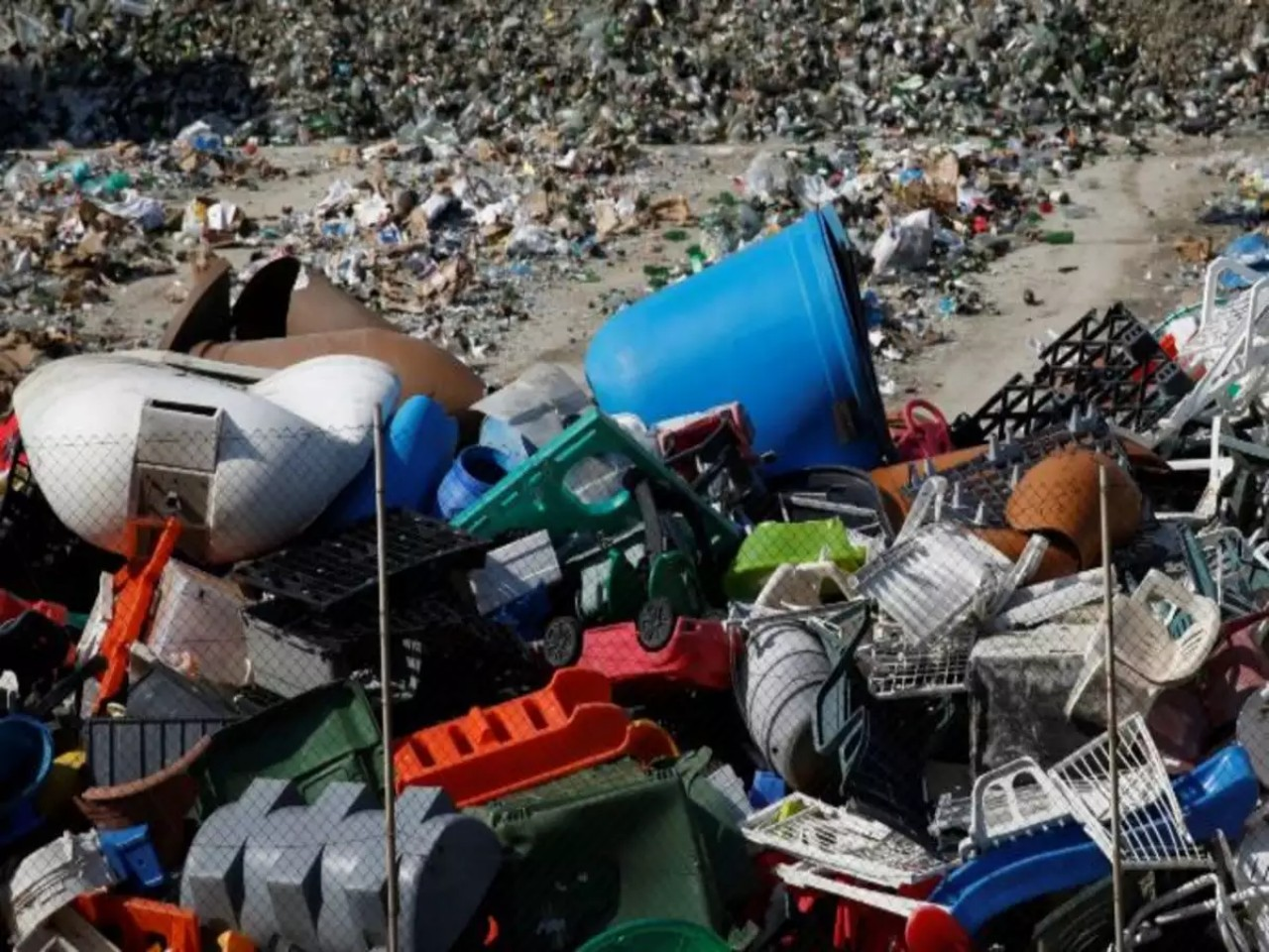 ban import of plastic waste