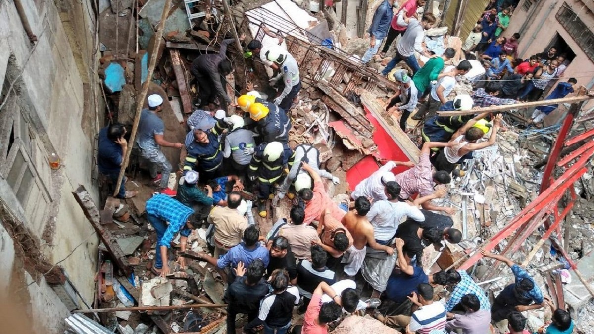 100-year-old building collapse in Mumbai leaves 4 dead