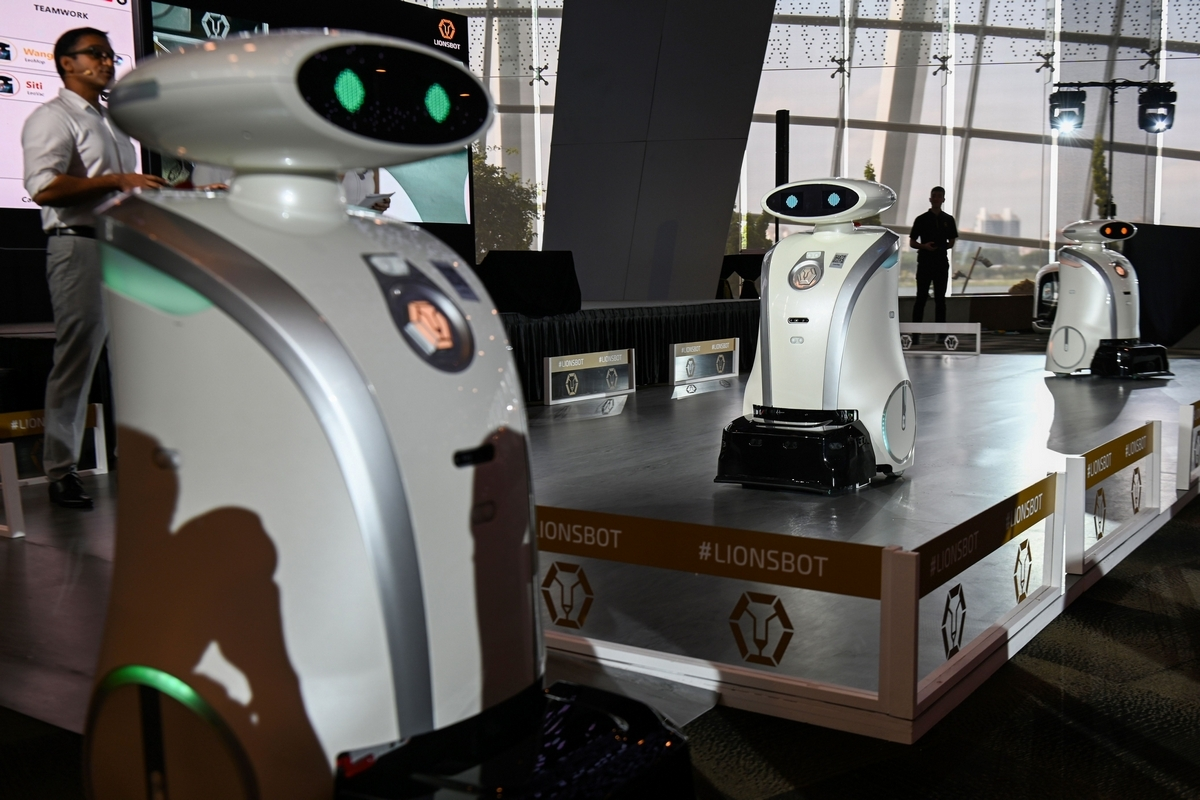 Multi-lingual robots to clean Singapore