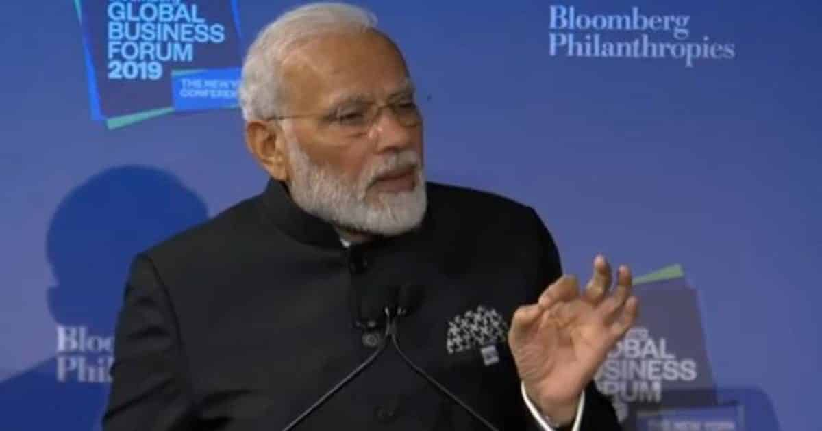 "PM Modi invites foreign investors to invest in a ""rapidly urbanising India"""