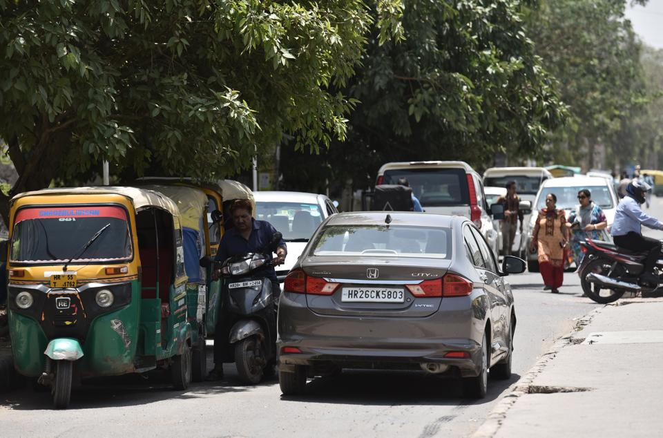 GMDA to take over towing of illegally parked vehicles and impose additional fines