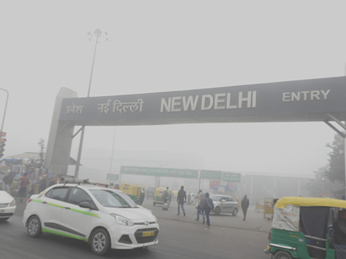 Grey blanket of poison covers Delhi