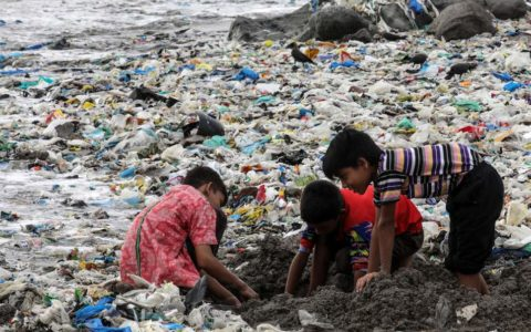 'No ban on the manufacturing of single-use plastic in India'