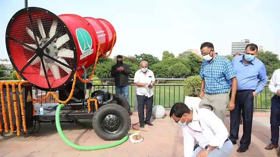 NDMC installs anti-smog gun in Connaught Place to battle pollution
