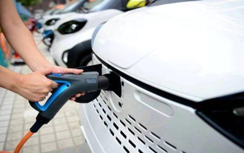 EESL, NDMC sets up New Delhi's first EV charging plaza