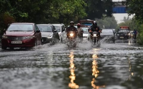 IMD issues orange alert for Delhi, warns of thunderstorms