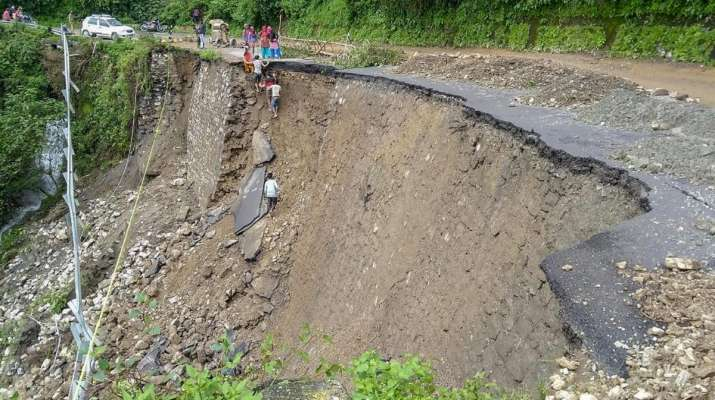 Heavy rains lash parts of Uttarakhand, trigger landslides and road closures
