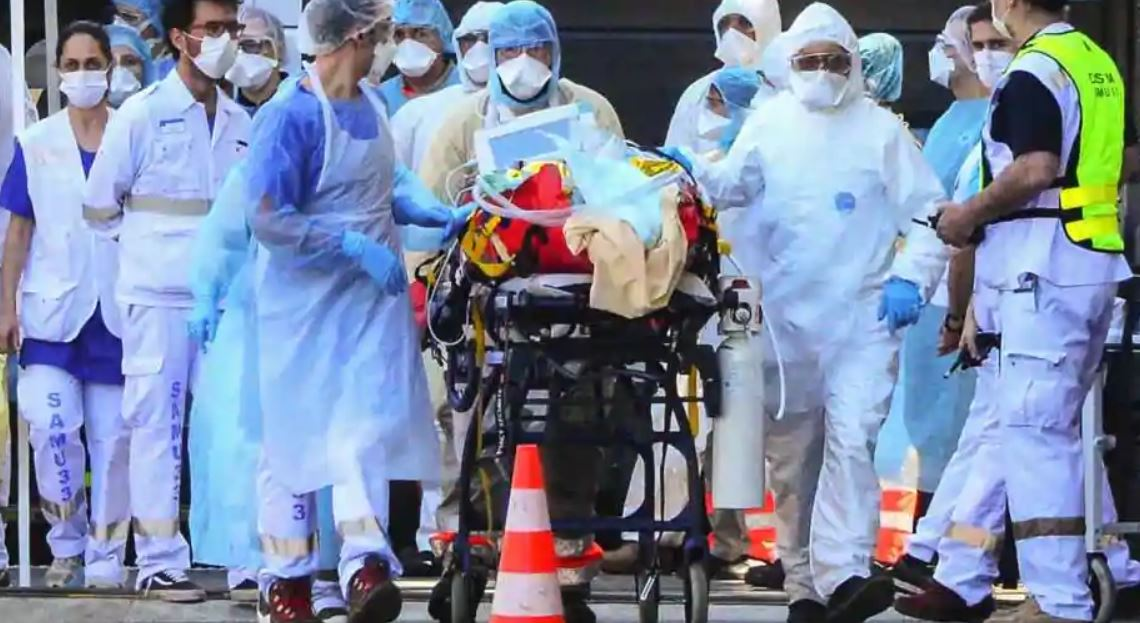 Experts say surge in COVID-19 cases is gripping USA