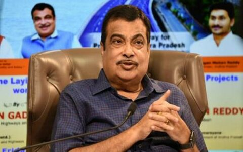 Gadkari lays foundation for projects worth Rs 15,592 crores in Andhra