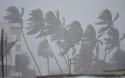 Nivar cyclone closing in on Tamil Nadu and Puducherry