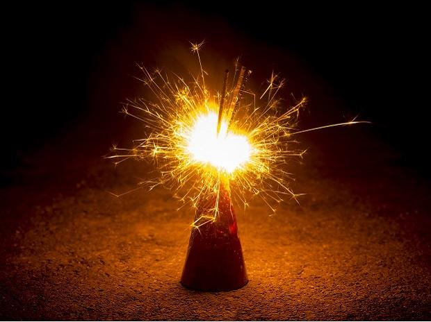 NGT notifies Government of India to ban fire crackers