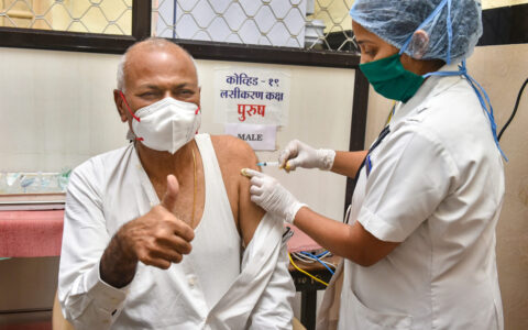 Vaccination for people above 60 from March 1 in India