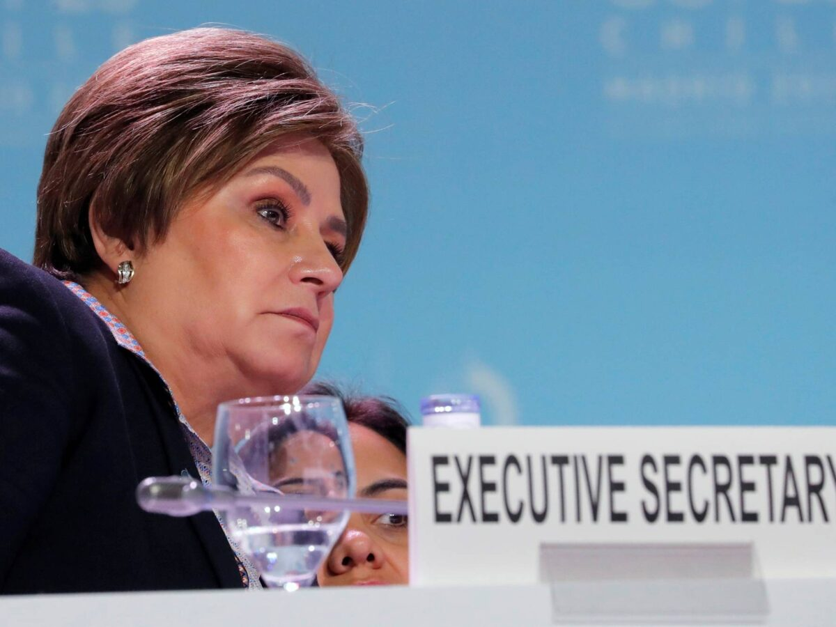 UN climate chief urges world 'in a tough point' to keep fighting warming