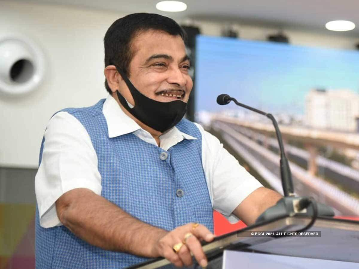 Nitin Gadkari shows green light to five highway projects